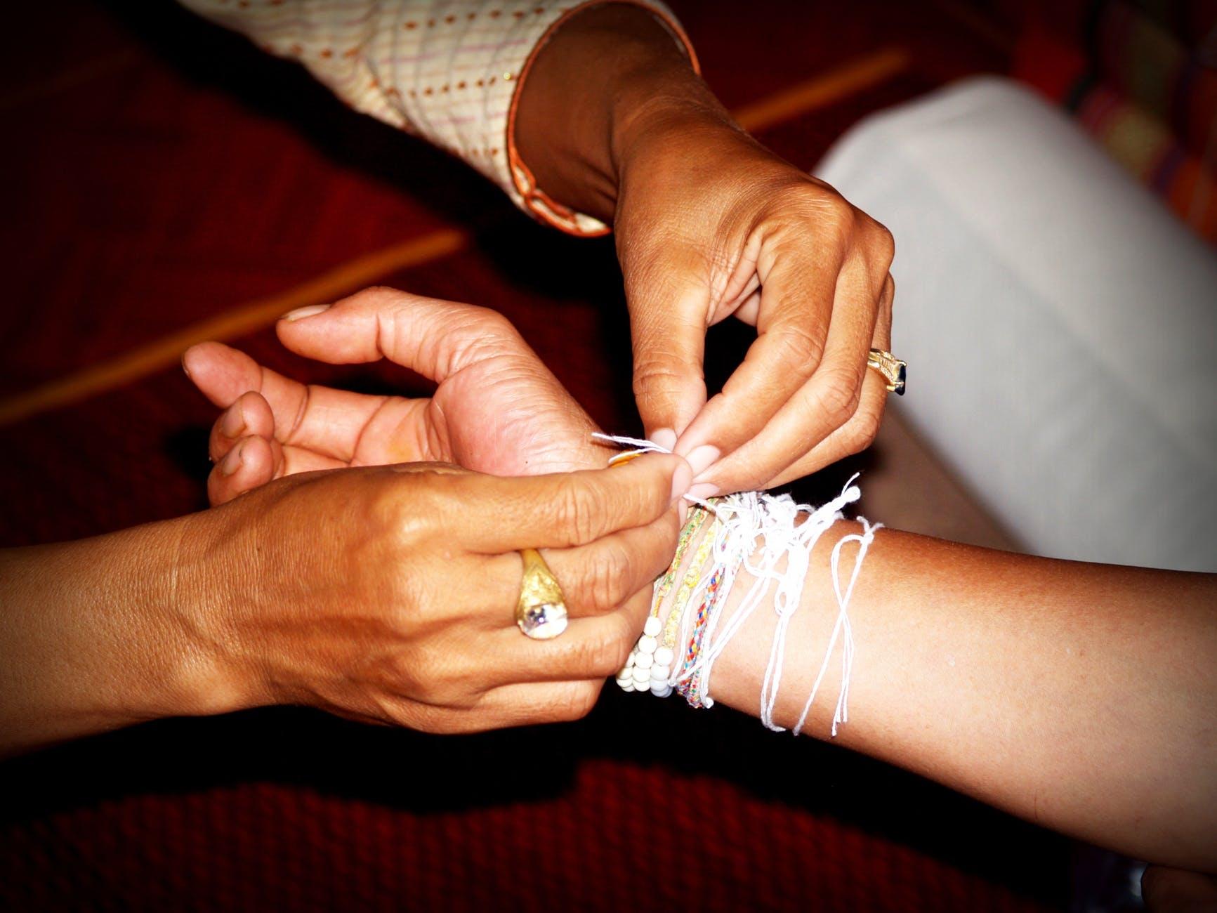 adult bracelets colors fingers